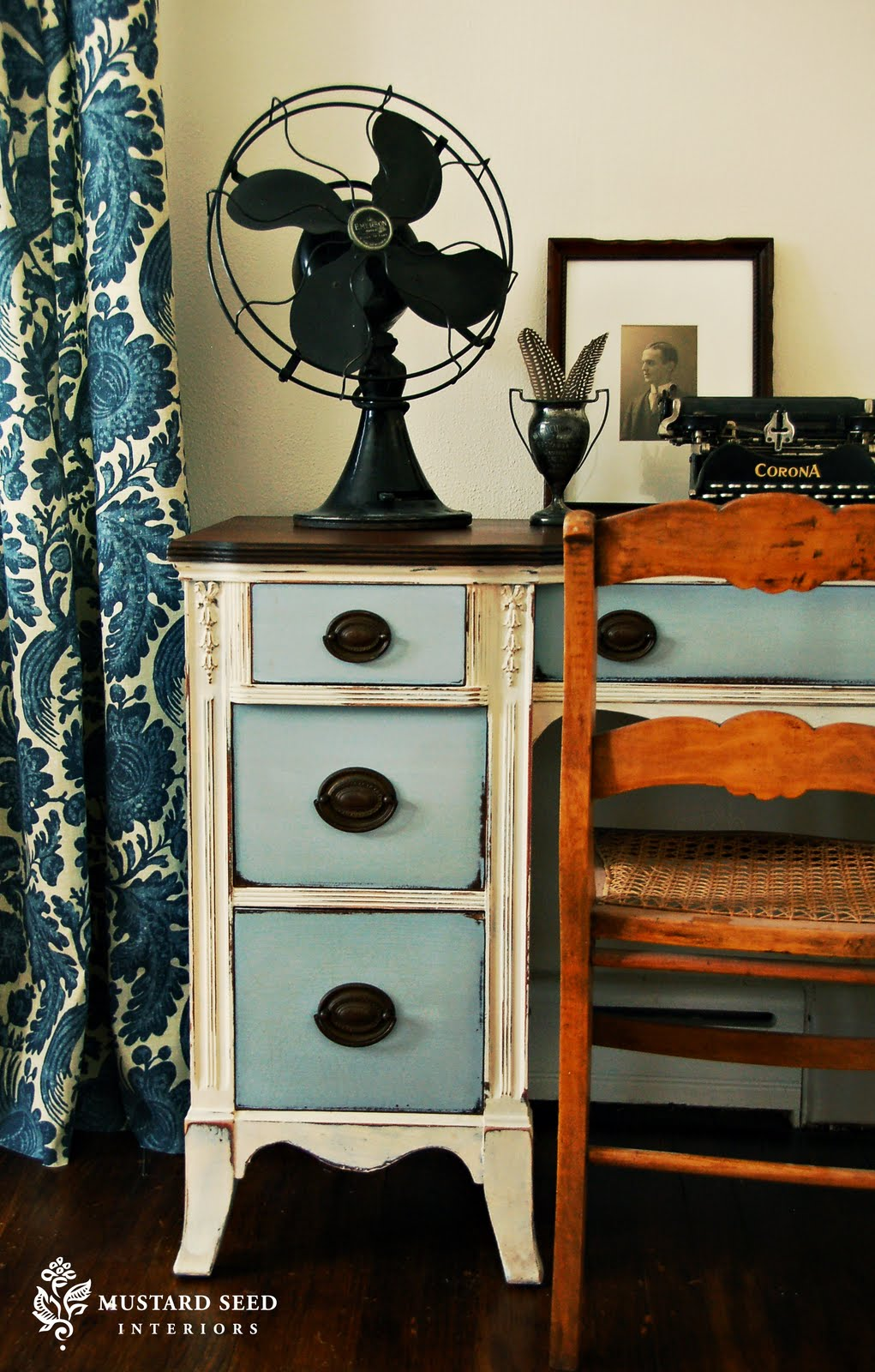 A Painted Desk Miss Mustard Seed