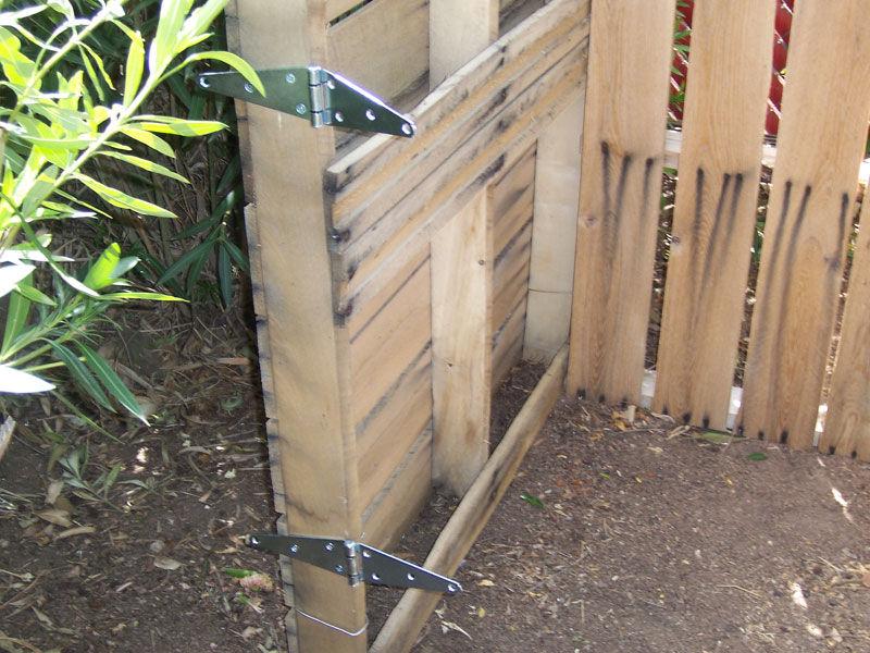 Hacer una compostadora casera con palets for Puerta palets