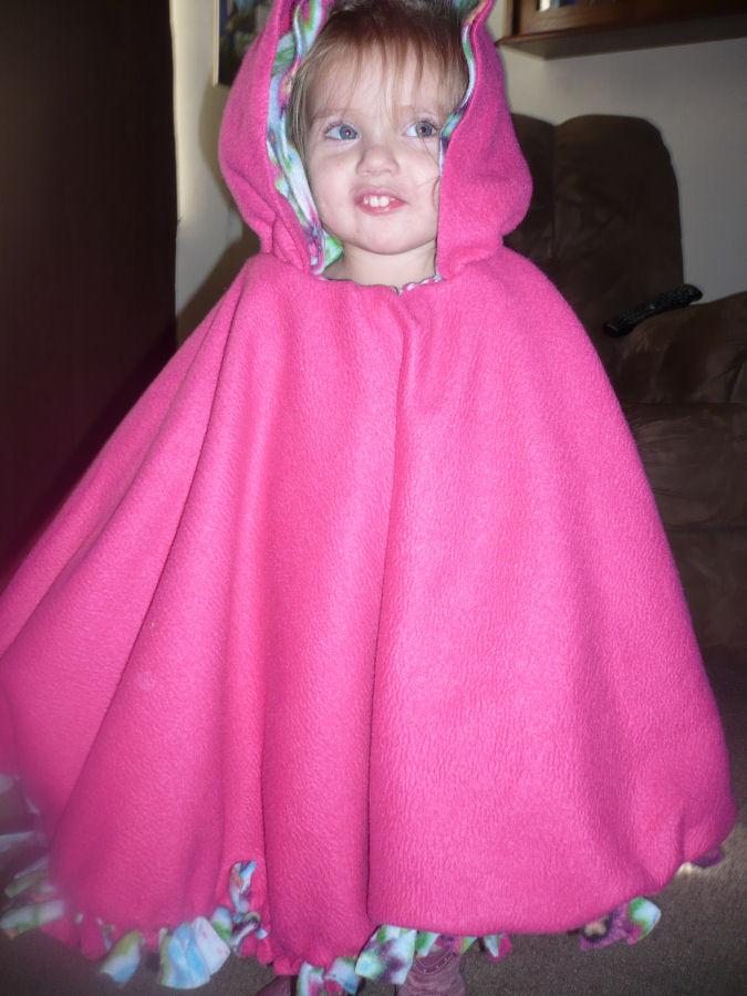 Crafty Mommy At Home No Sew Two Layer Fleece Poncho