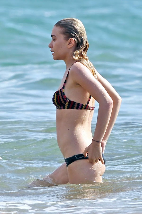 ASHLEY OLSEN in water in Hawaii