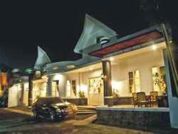 Hotel Bintang 3 Yogyakarta - Ipienk House