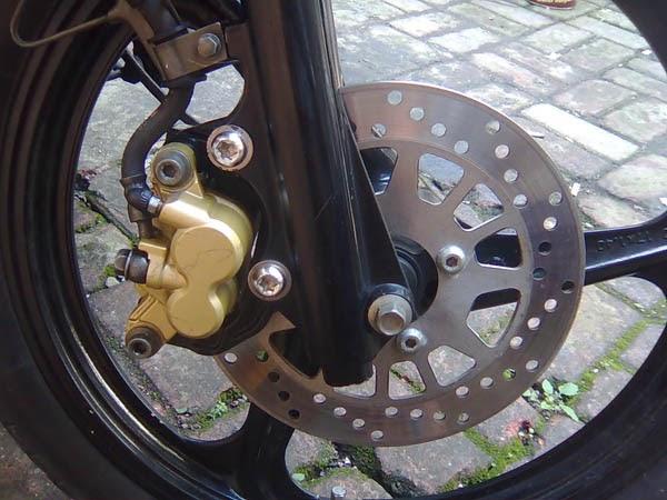 RHYU BLOG: Mengganti Minyak Rem Pada Sepeda Motor