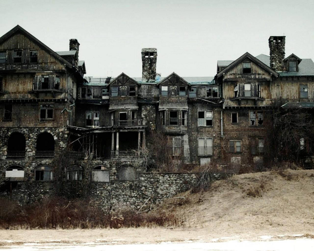 http://2.bp.blogspot.com/-OpP_m5Ln-AY/UaLA36SAmZI/AAAAAAAAR9o/u4ZifwgLRMk/s1600/old-architecture-houses-buildings-abandoned-abandoned-house-1440x900-hd-wallpaper.jpg