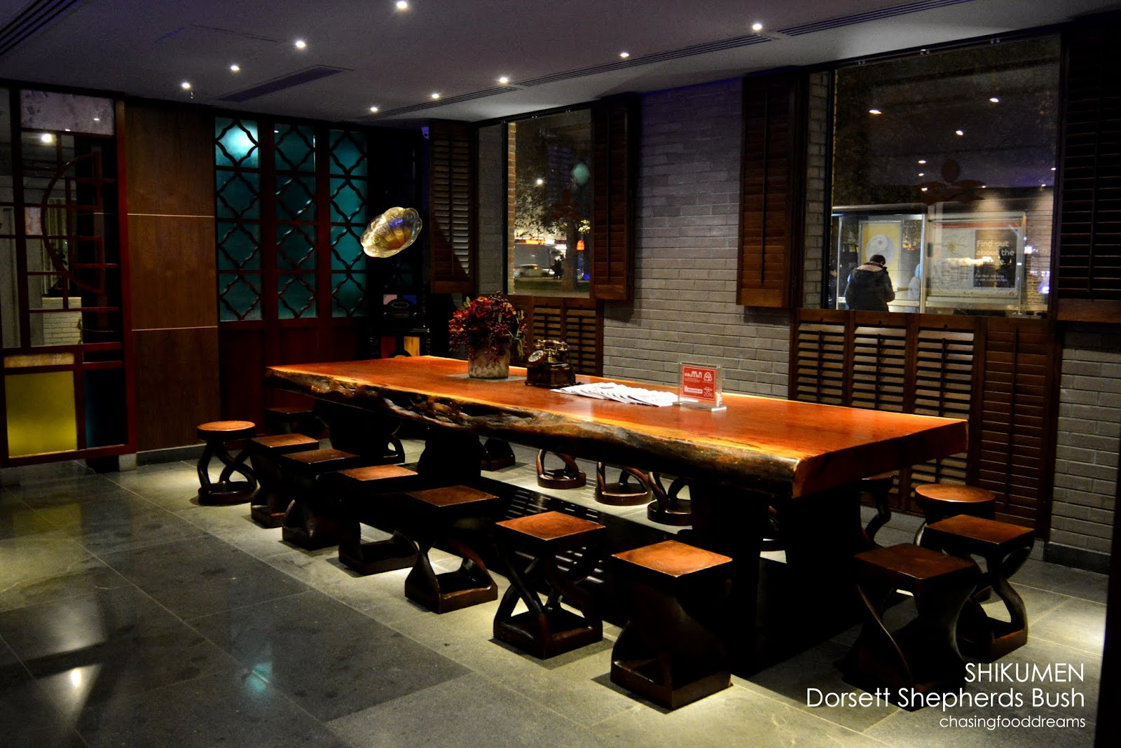 chasing food dreams fly me to london pictures and shikumen bar restaurant. Black Bedroom Furniture Sets. Home Design Ideas