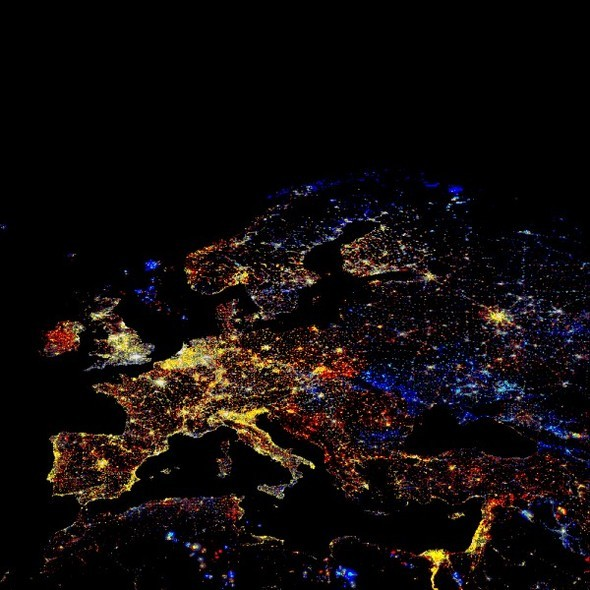 Ночной вид европы и других материков