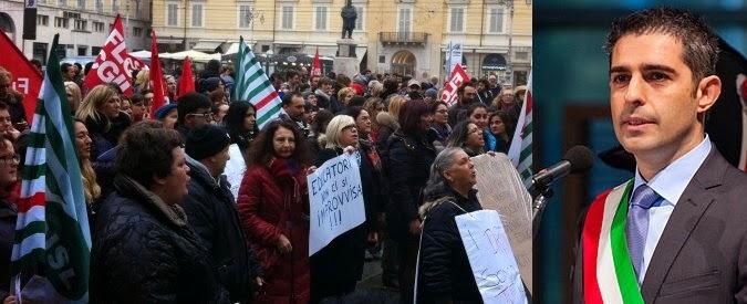 http://www.ilfattoquotidiano.it/2014/12/06/pizzarotti-taglia-fondi-disabili-scuola-mamme-maestre-inseguono-assessore/1254789/