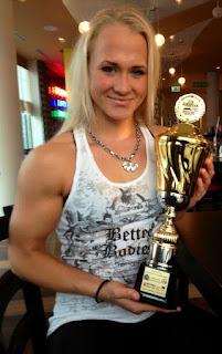 Sarah Bäckman armwrestling champion
