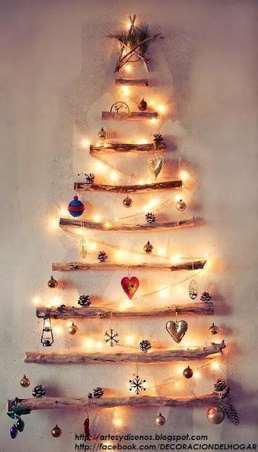 rbol de navidad con esferas excelente idea y sper fcil de hacer este rbol con esferas navideas de varios colores para colocar y lucir en la pared - Rboles De Navidad Originales