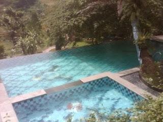 Villa di Sentul dengan fasilitas kolam renang