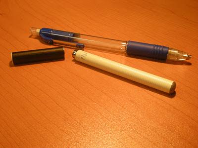cigarette électronique, stylo-bille