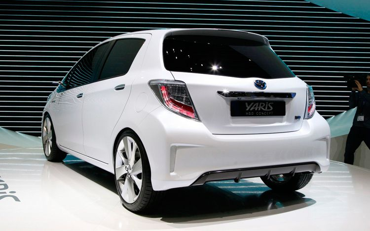 auto finder toyota yaris hsd concept. Black Bedroom Furniture Sets. Home Design Ideas