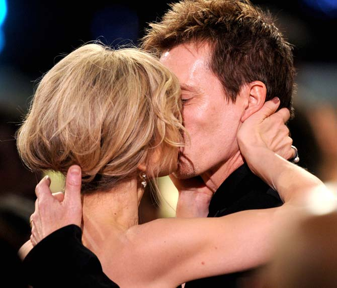 celebrity hot kisses