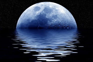 صورة القمر بالليل