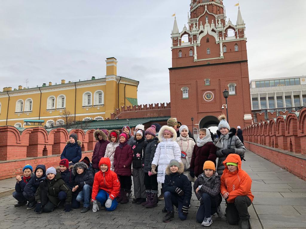 """Проект """"Где мы во времени и пространстве: города-крепости"""". Экскурсия в Кремль."""