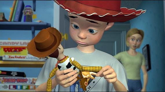 andy con el sombrero de su mama