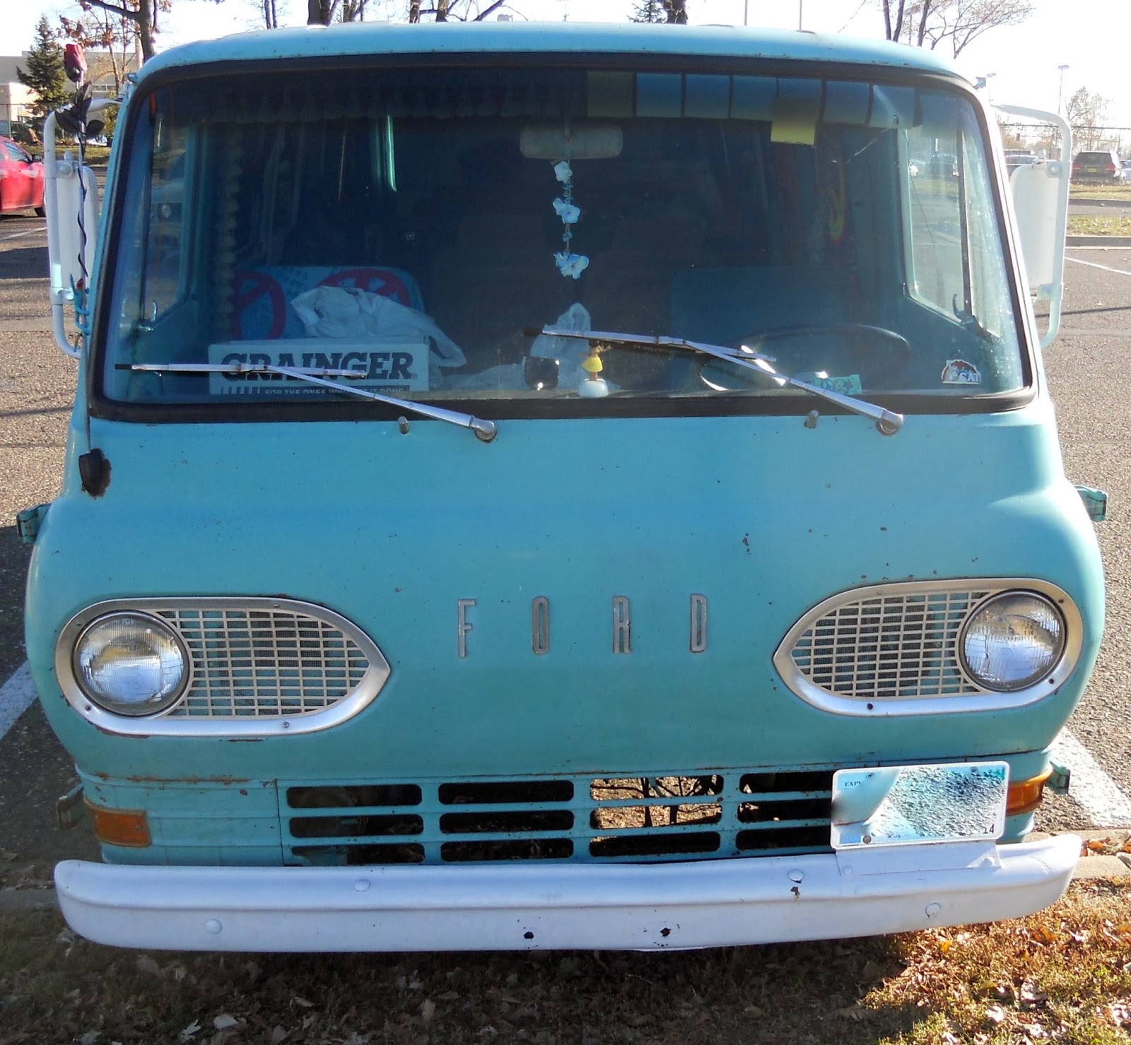 Automozeal February 2014 1961 1967 Ford Econoline Parts These Two Are The Original Generation Of E Series Or Vans Though Notably Smaller Than Massive Vehicles That