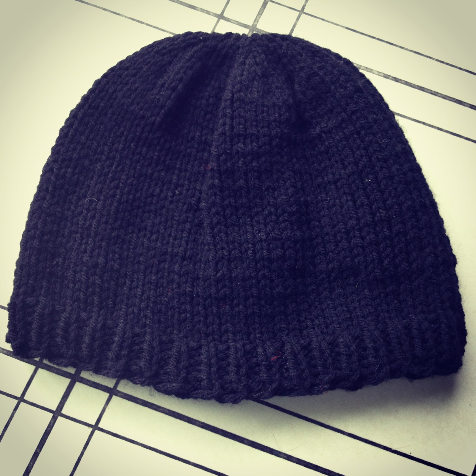 Chronicles of a Knaptime Knitter: FREE KNITTING PATTERN-Basic Mens Beanie