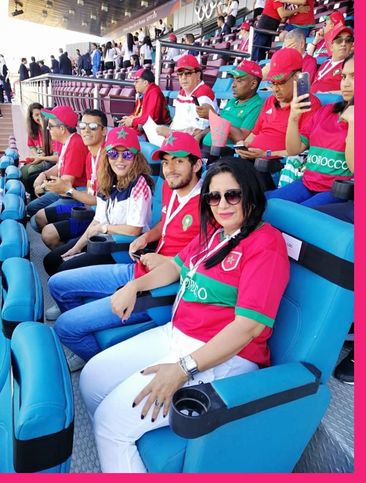 سميرة سعيد وعائشة الوعد يشجعان منتخب الأسود بالقاهرة