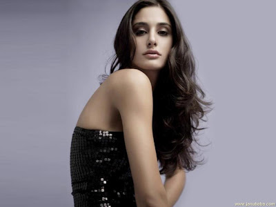 Nargis fakhri Rock Star Girl Wallpaper American model