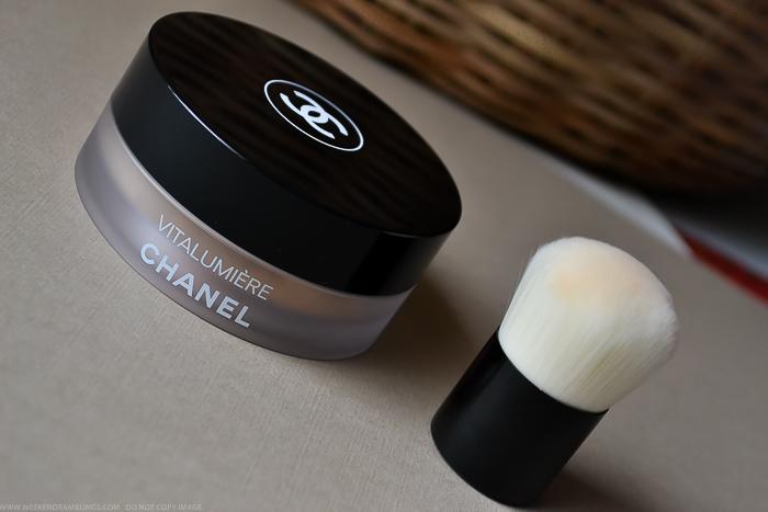 Chanel Vitalumiere Loose Powder Mini Kabuki Brush SPF 15 Beige B50 -  Review Photos Swatches FOTD