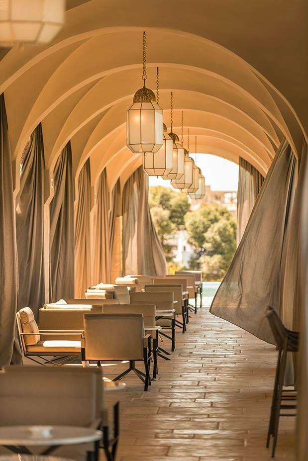 les plus beaux hotels design du monde h tel sahrai by christophe pillet f s maroc. Black Bedroom Furniture Sets. Home Design Ideas