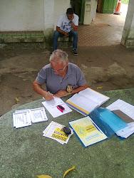 Secretario de Trânsito estudando legislação