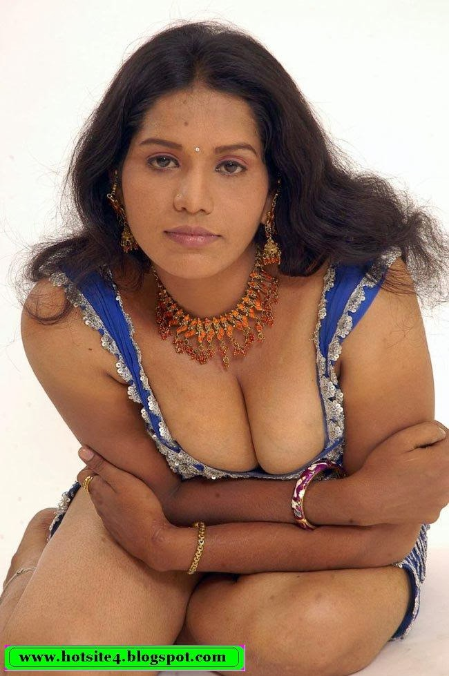 Southindia girl nude in bathroom bf captured 9