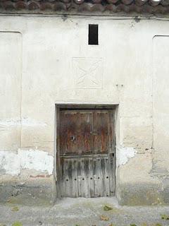 puerta partida en casa de la Moraña