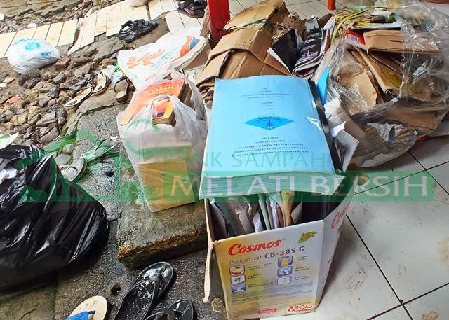 Kegiatan penimbangan sampah