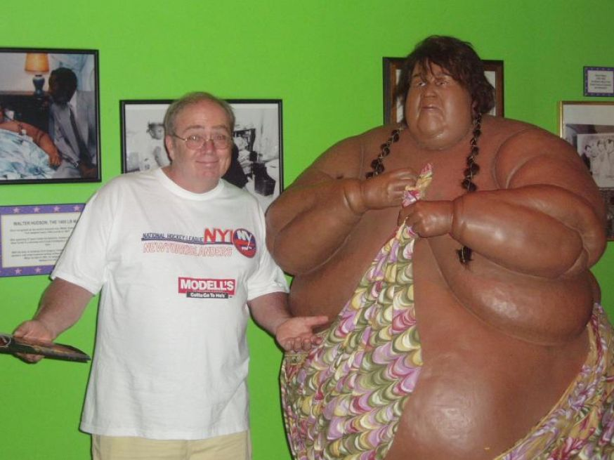the oppression of fat people in america The fat acceptance movement (also known as the size acceptance, fat liberation, fat activism, fativism, fat justice, or fat power movement) [citation needed] is a social movement seeking to change anti-fat bias in social attitudes.