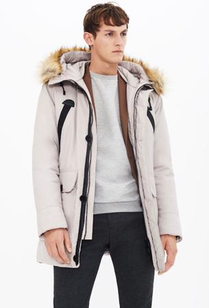 parka con capucha para hombre Zara