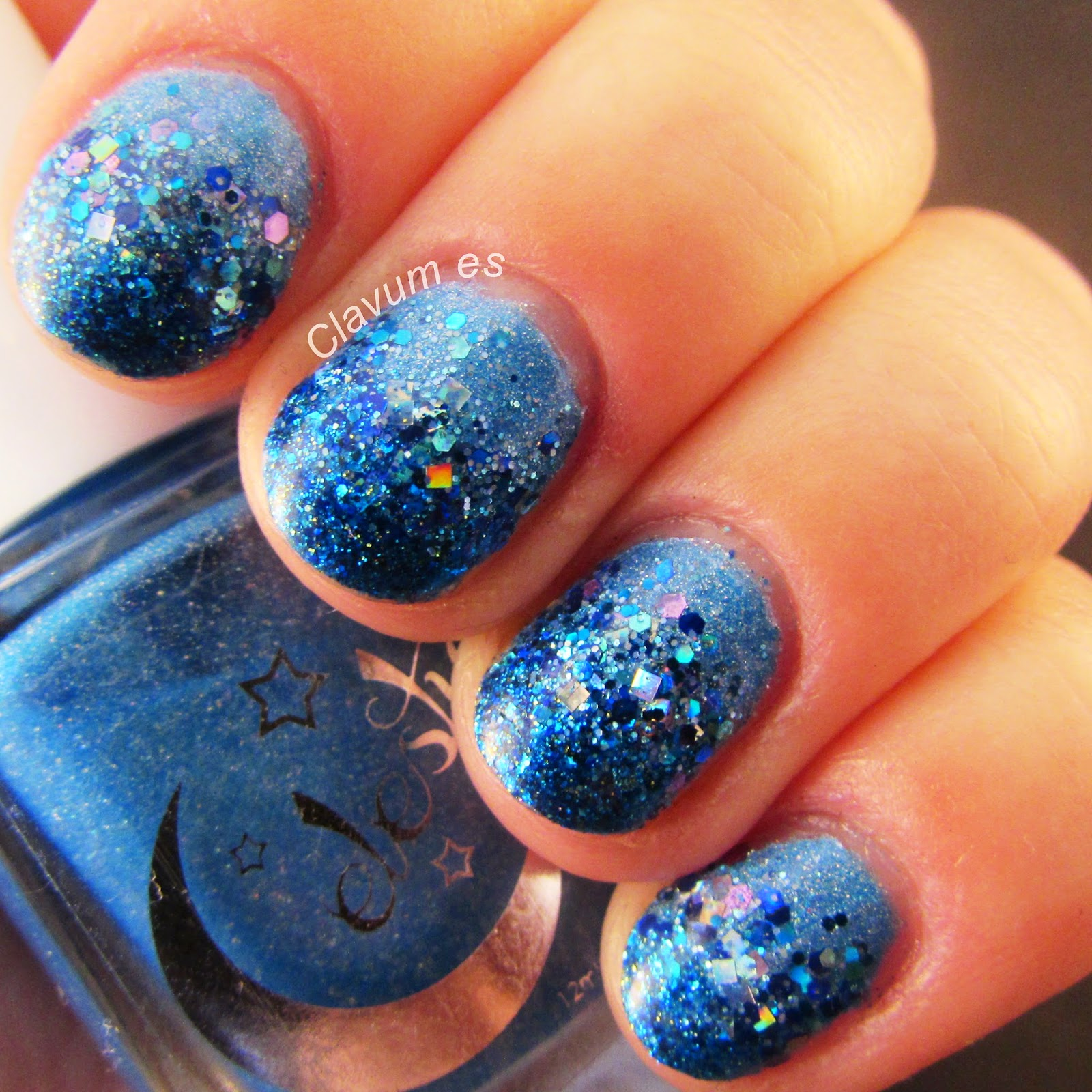 Blue Gradient Nail Art