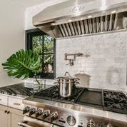 kitchen by annie downing interiors & decoration