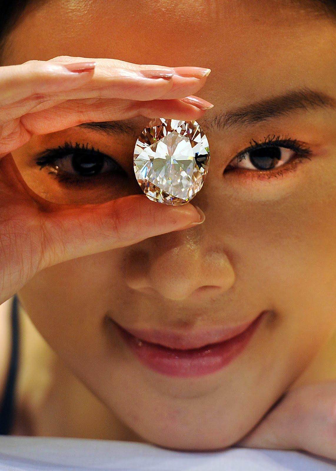 Auction, Business, D Colour, Diamond, Economy, Flawless, Hong Kong, Jewellery, Model, Sotheby, Sotheby's auction house,