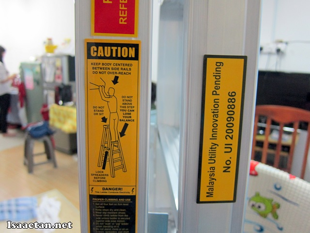 Some safety labels to warn on the correct usage of the Winner Ladder