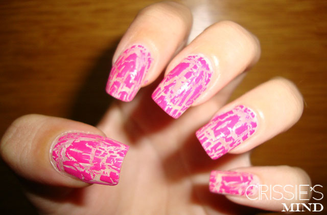 pink-crackle-nail-art