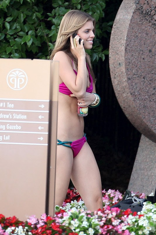 "AnnaLynne McCord – Bikini Candids on ""90210″ Set"
