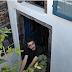 Κρεγκ Βάλζερ: O αμερικανός που άνοιξε το πρώτο βιβλιοπωλείο στη Σαντορίνη και το οδήγησε στην πρώτη θέση με τα καλύτερα βιβλιοπωλεία της Guardian [εικόνες]