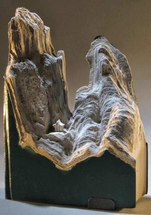 11-Guy-Laramee-Book-Sculptures-Encyclopedias-Dictionaries-www-designstack-co