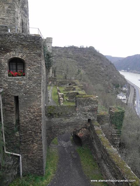 Burg Rheinfels e o rio Reno