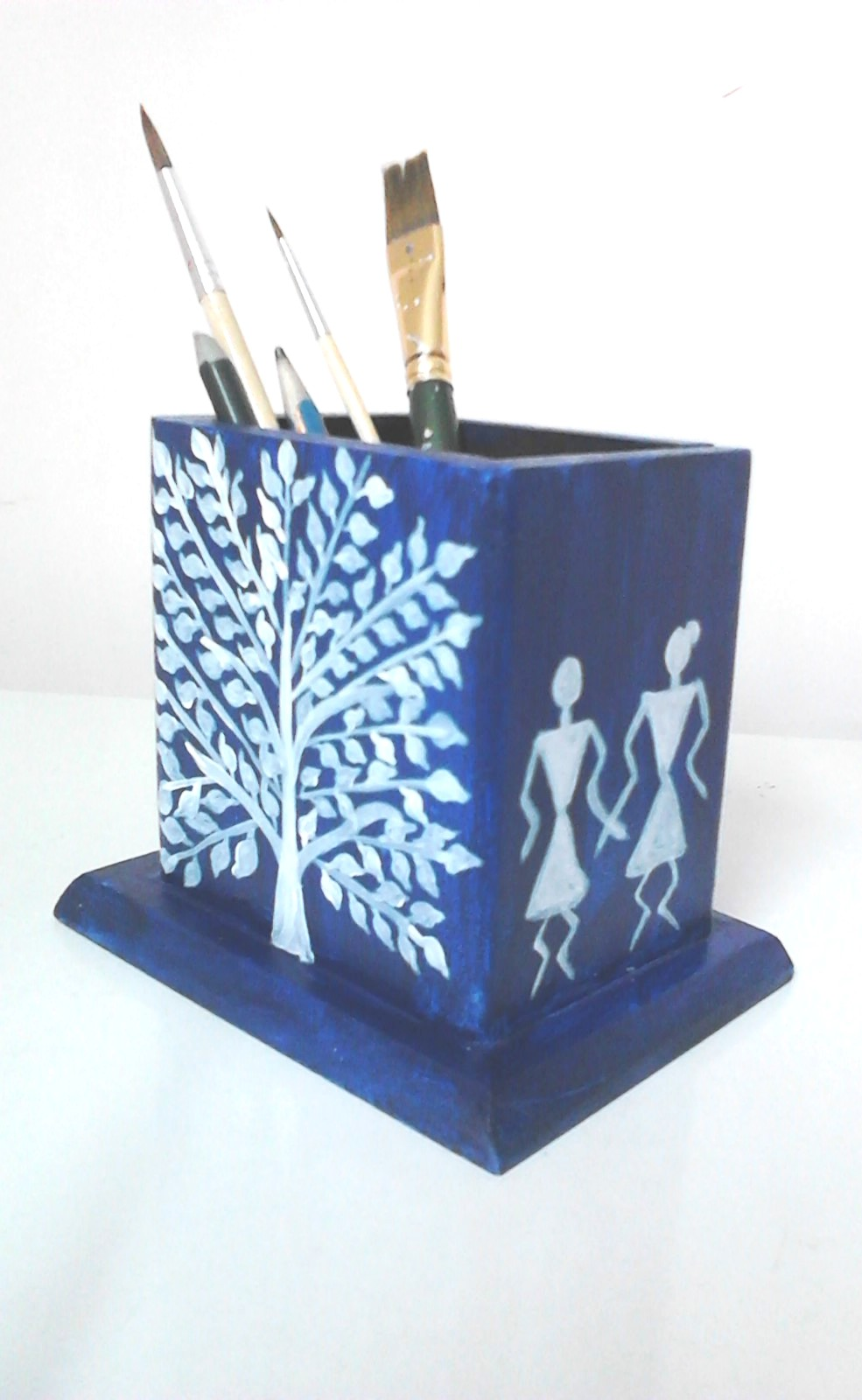 Farah art creations pen stand warli for Creation stand