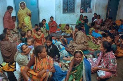 7 MUERTOS Y MAS DE UN MILLON DE EVACUADOS EN INDIA POR CICLON PHAILIN