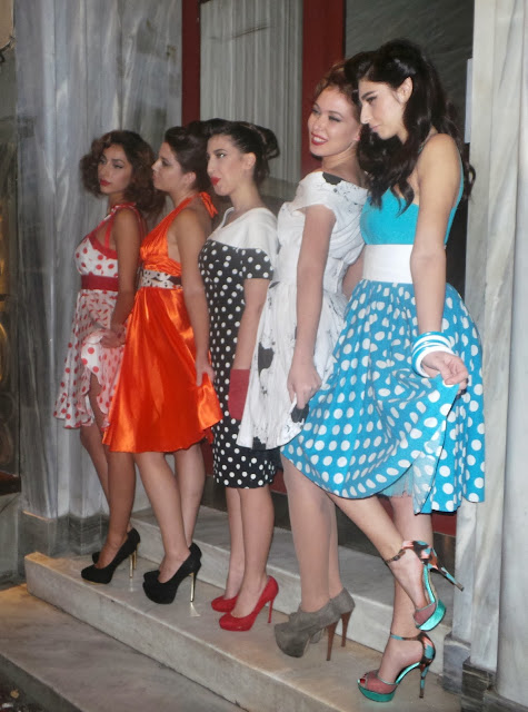 redhead, ellen skaroni, erotokritos, jenny oikonomou, ten bar,Monday's Familia Partiy, kolonaki,spotlights on the redhead,50s,choies,heart open back, cut out dress, 50s fashion, Freddy Kalobrastos, Freddy makeup stage
