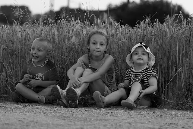 Agata Raszke, dzieci, kids, portraits, portret, blackandwhite, summer, summer in the countryside, lato, wieś, happy, three