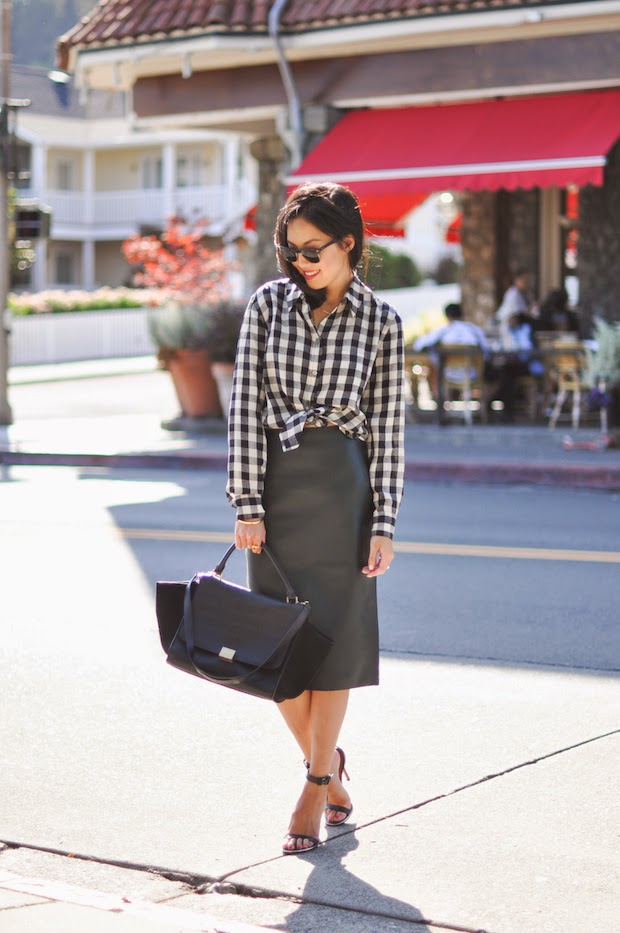 9 to 5 Chic (fashion blogger)