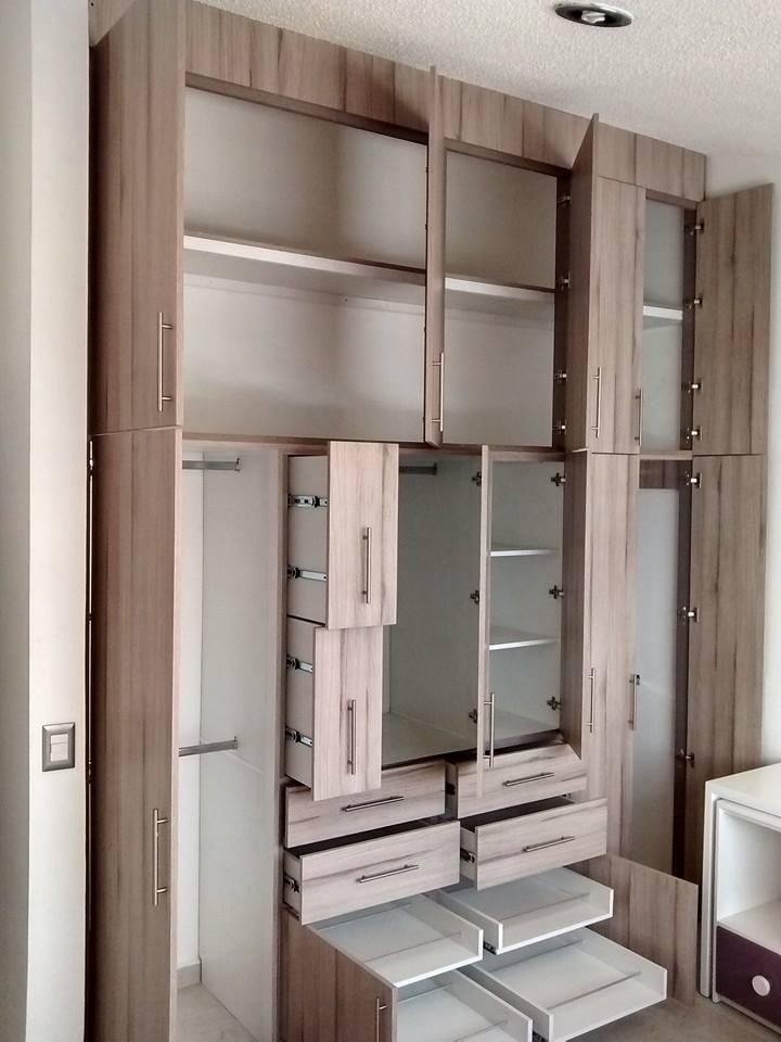 Closets y cocinas integrales residencial closet con for Cocinas integrales en puebla