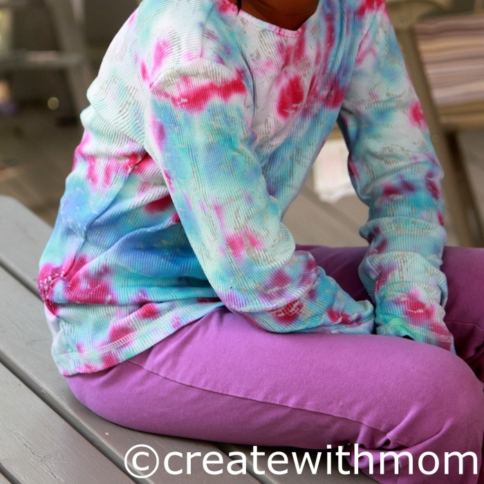 Create With Mom: Tie dying shirts with the Tulip tie dye kit