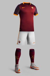 Tampilan desain terbaru jersey As Roma home musim 2015/2016
