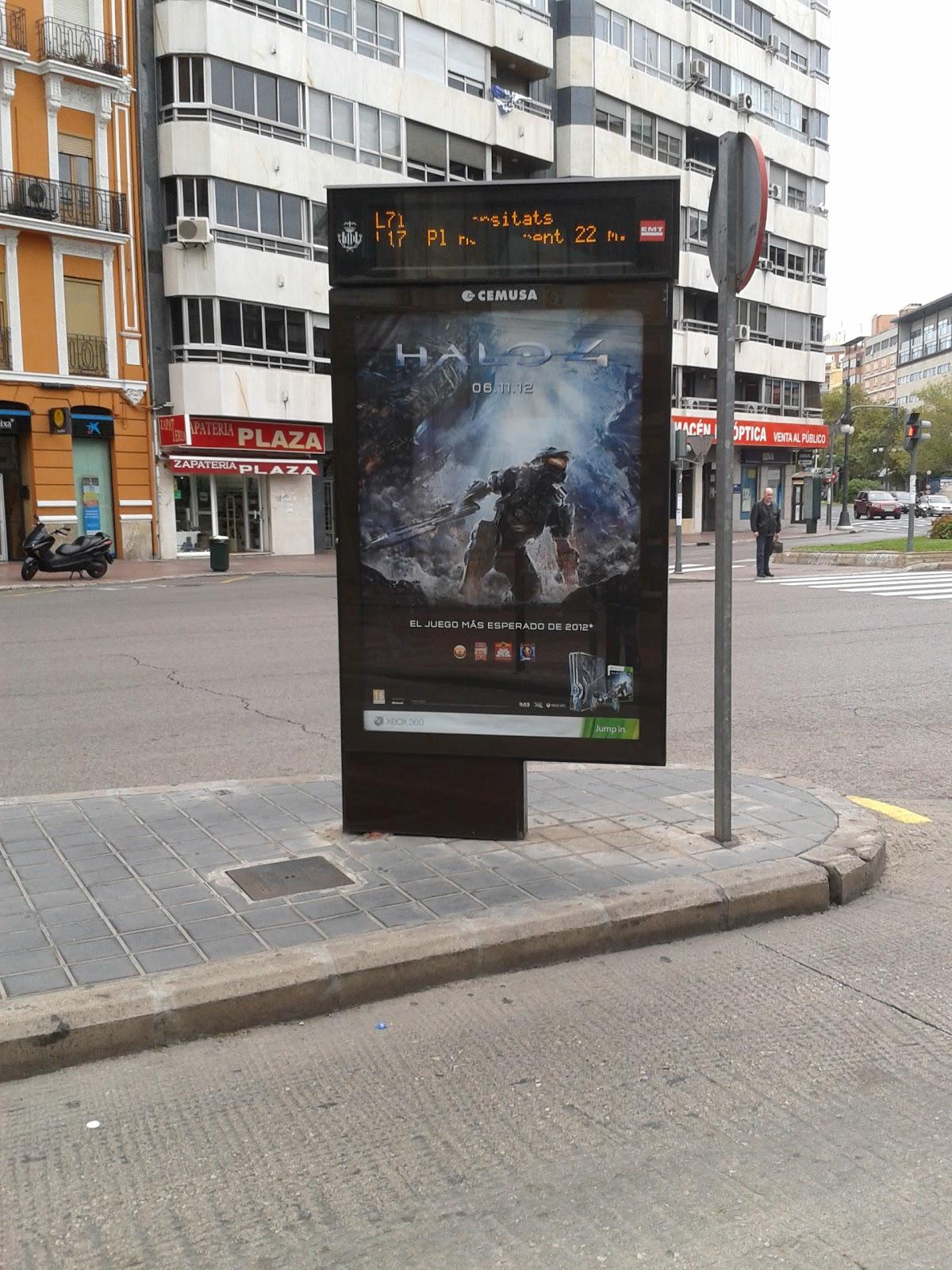 Cartel Halo 4 en Plaza de España