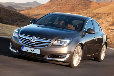 Vauxhall Insignia Hatch (2014) Front Side